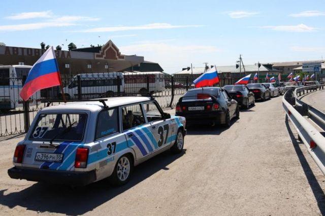 «Флаги России» проехали по улицам Заводоуковска