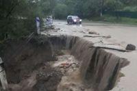 В Черновицкой области из-за паводка затопило автодорогу