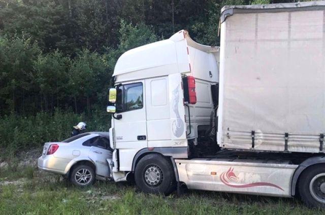 На трассе Тюмень – Ханты-Мансийск водитель без прав устроил смертельное ДТП