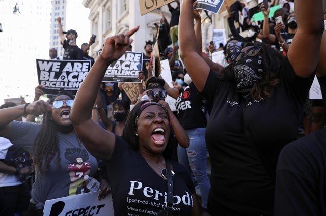 Чем закончатся беспорядки в США? Прогнозы политологов