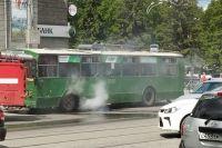 Из-за пожара на улице Сибиряков-Гвардцейцев образовалась большая пробка.