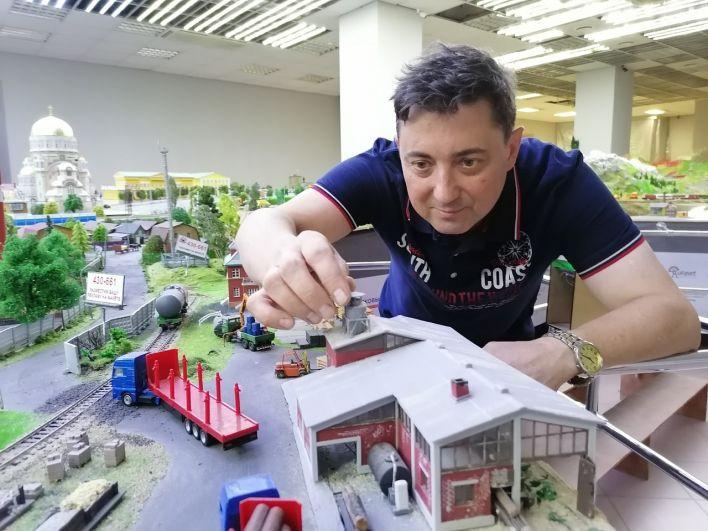 Александр Шарандин - автор проекта