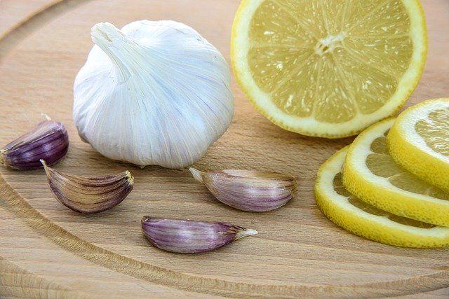 Сильнее всего подорожали лимоны, чеснок и гречка.