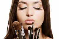 Как сохранить макияж в жару: топ-7 полезных советов от визажистов