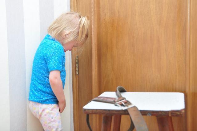 Ребенок тяжело переносит любые виды насилия.