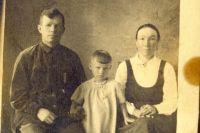 На воспитание девочку взяли супруги Воробьевы.
