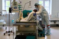 Работа врачей с больными коронавирусом в больнице имени Н. И. Пирогова.