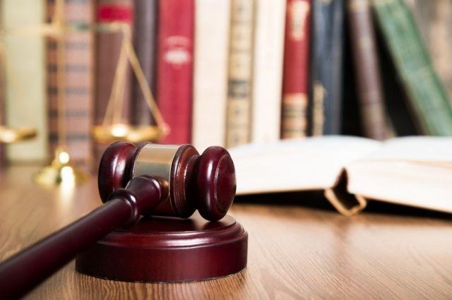Судья самовольно изготовила определения о получении детализации телефонных звонков нескольких абонентов.