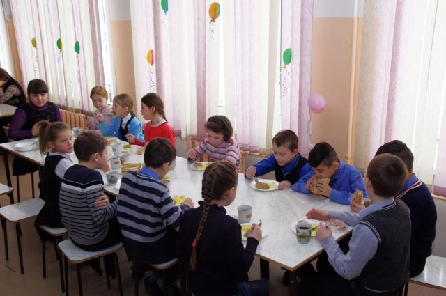 В Оренбуржье 107 тысяч школьников будут питаться бесплатно.