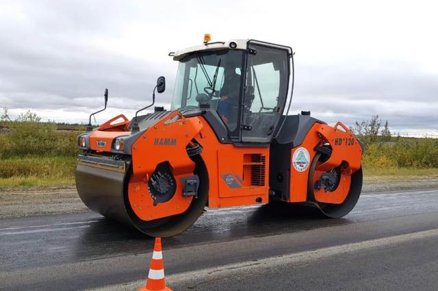 В Салехарде полным ходом идет дорожный ремонт в районе улицы Б. Кнунянца