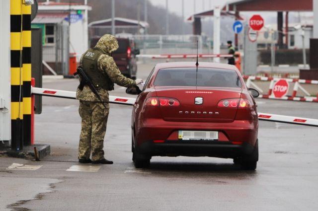 Украина возобновит работу 10 пунктов пропуска на границе с РФ и Беларусью
