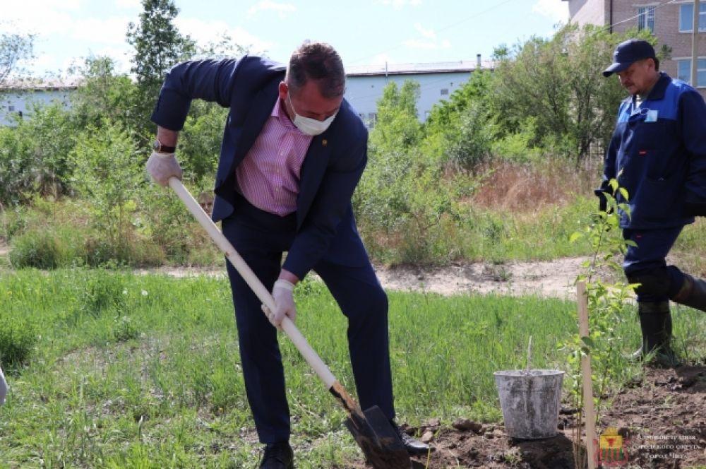 Сити-менеджер Читы А.Сапожников: «Возможно, со временем здесь будет разбит парк».
