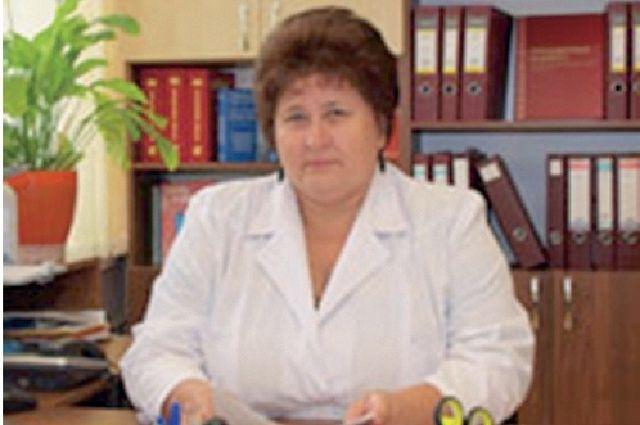 Антонина Меньшова заслужила славу медсестры с «лёгкой» рукой - все медицинские манипуляции получались у неё безболезненнее, легче.