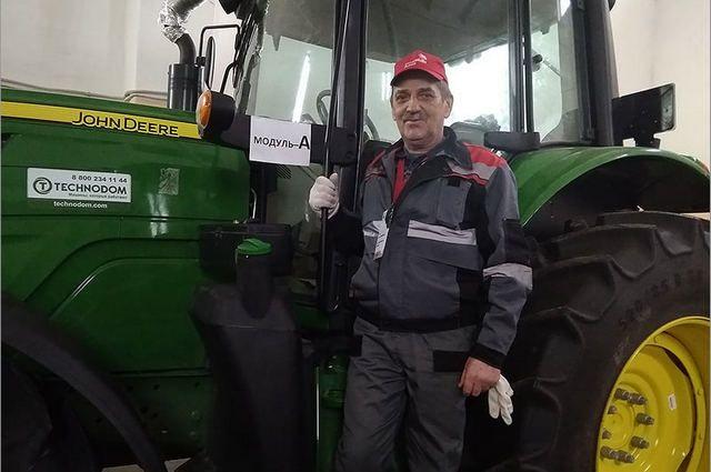 Николай Усик - единственный «боевой» тракторист, дважды принимавший участие в соревнованиях WorldSkills – чемпионате для опытных профессионалов (50+) «Навыки мудрых».