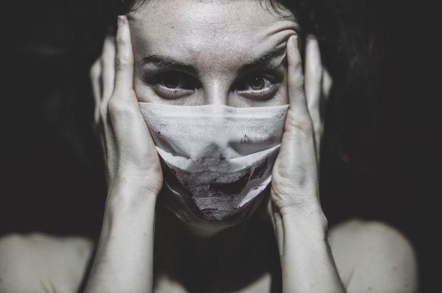 Заболевшие также есть среди социальных участковых.