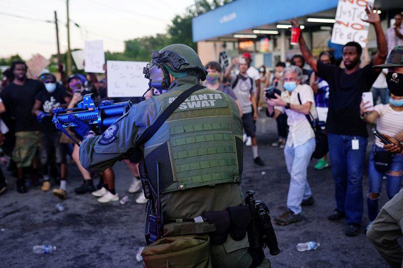 Во время беспорядков в Атланте.