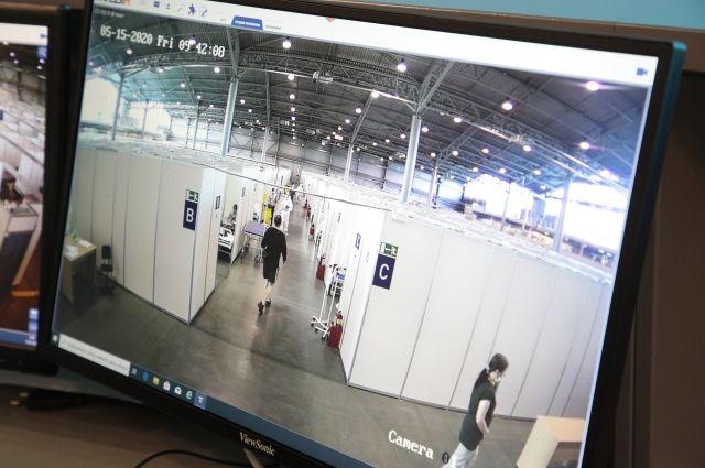Нарушительницу запечатлели камеры, установленные в «Ленэкспо».