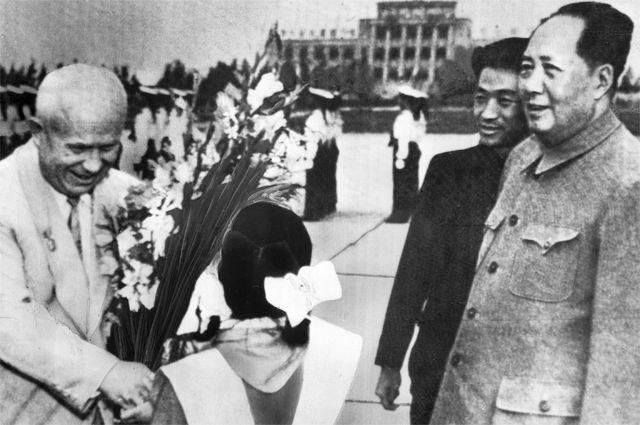 Никита Хрущёв иМао Цзедун вКитае, 1958год.