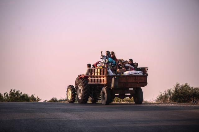 сирийская семья в провинции Идлиб