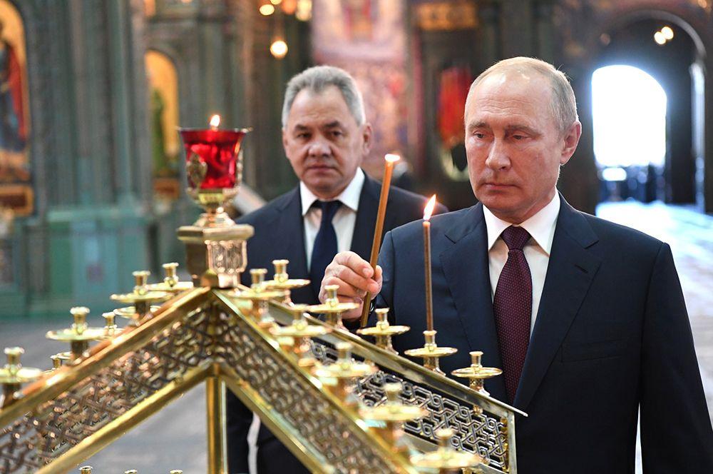 Он принял участие в молебне, который отслужил патриарх Московский и всея Руси Кирилл.