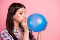 Массаж улучшает кровообращение влёгких, снимает одышку ипомогает откашляться.