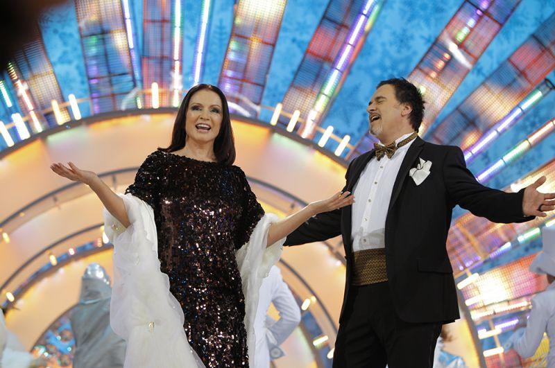 София Ротару и Валерий Меладзе на съемках новогодней передачи «Голубой огонек». 2009 год.