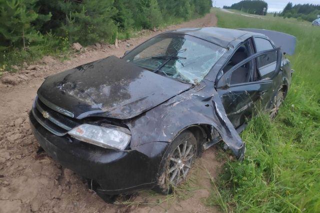 В Удмуртии пьяный водитель устроил ДТП с тремя пострадавшими на трассе