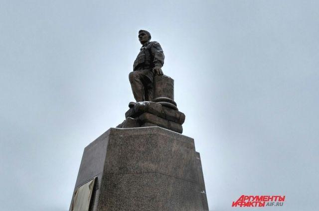 Оренбуржцы вспомнили  героя Александра Прохоренко в день его рождения.