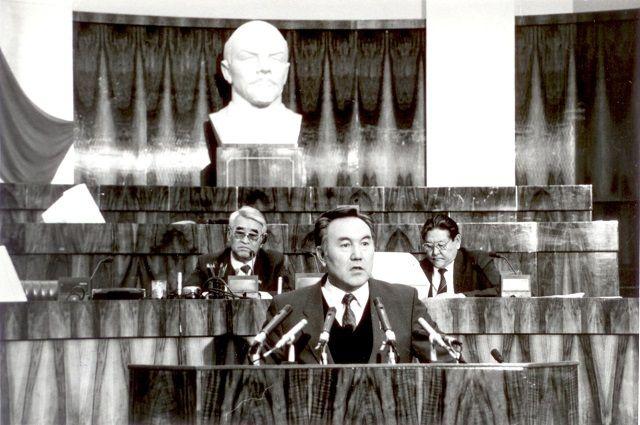 На ХVI съезде Компартии Казахстана в Алма-Ате. 1986 год