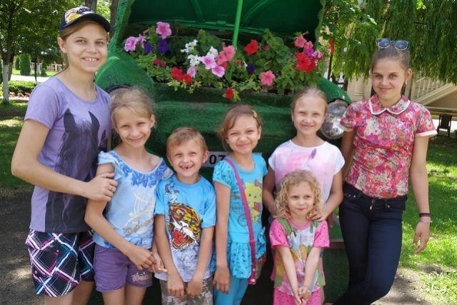 Мотовы ждут возможности погулять по Ставрополю и копят на дом