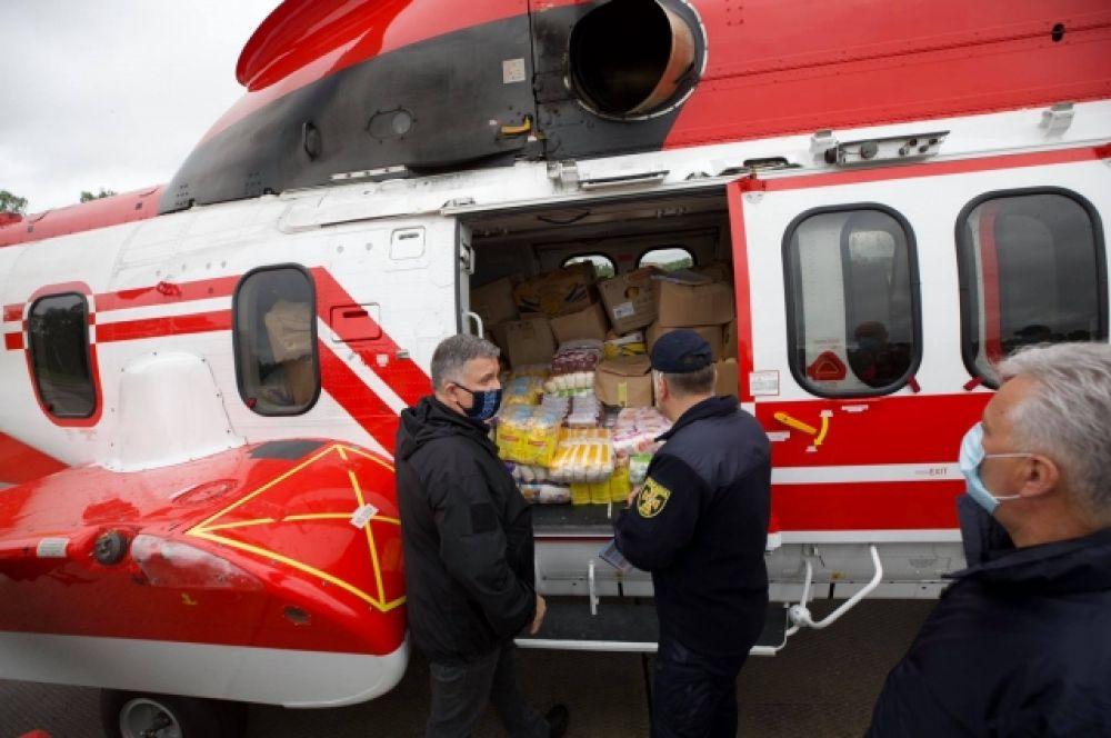 Министр внутренних дел Арсен Аваков отметил, что сейчас важно сделать подъезд к населенным пунктам, чтобы предоставлять людям необходимую помощь.