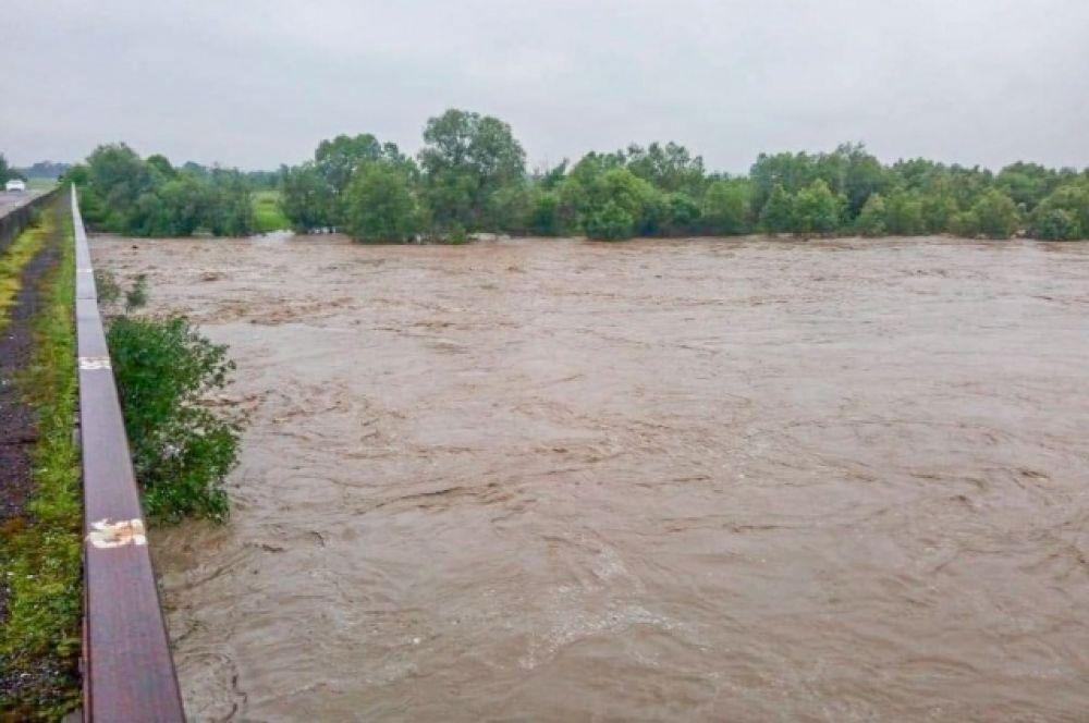 В связи с паводками в Ивано-Франковской и Черновицкой областях 10 тысяч человек остались без газоснабжения.