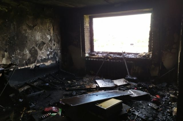 В Орске пожарные спасли жизни 4 взрослых и 3 детей.