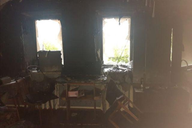 Площадь пожара составила 10 кв. метров.