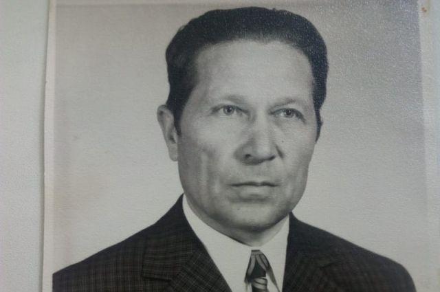 Иван Тарасович Сологуб  - настоящий трудоголик, даже после выхода на пенсию не сидел без дела.