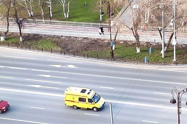 В Тюмени дрифтер без прав сбил школьника на пустой парковке
