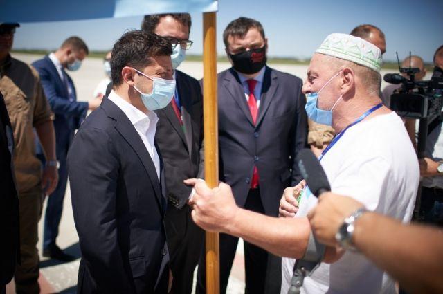 Аэропорт «Херсон» важен из-за крымчан, которые им пользуются, - Зеленский