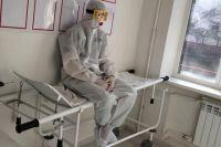 Врачу, работавшему с тяжёлыми ковид-пациентами, иногда приходилось выходить из бокса, чтобы больные не видели слёз на его лице