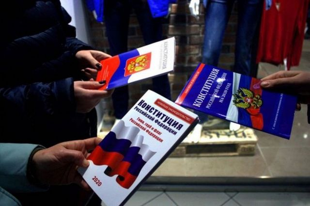 В Северной столице за ходом голосования по поправкам в Конституцию доверено наблюдать свыше 12 тысячам общественных наблюдателей.