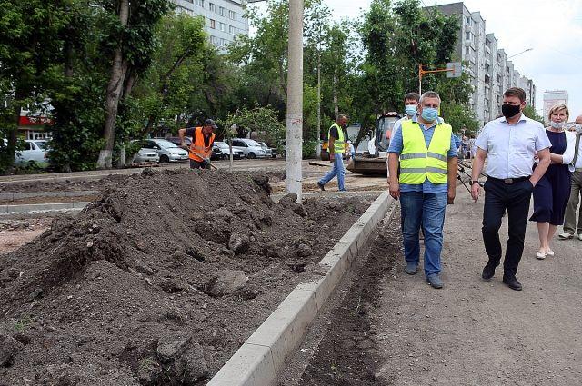 Полностью завершить все работы на объекте подрядчик должен к началу сентября.