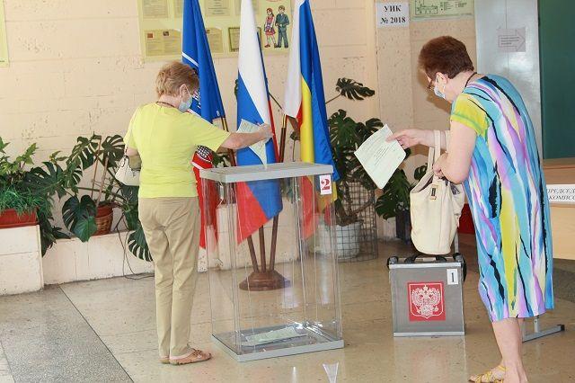 Тюменцы посещают избирательные участки с самого утра