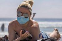Нужно ли носить украинцам маски на пляжах: в Минздраве дали ответ