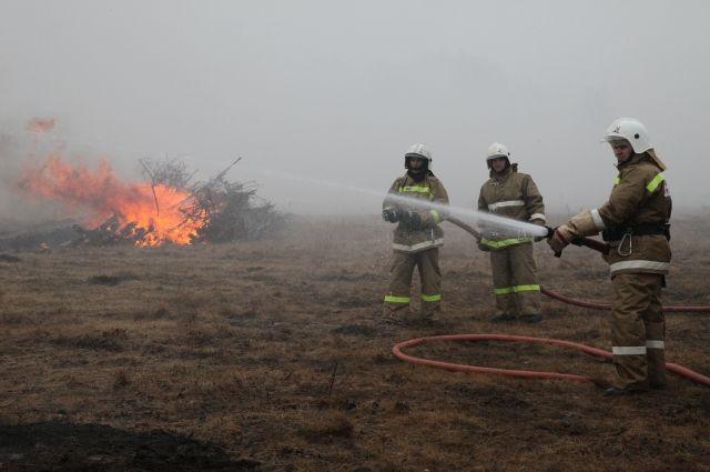 Очаги степных пожаров зарегистрированы в двух районах области.