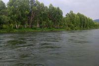 Лодку нашли в 10 км вниз по течению.