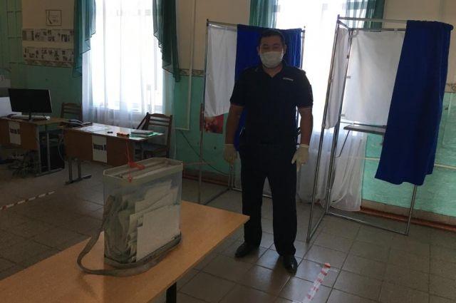В Оренбуржье на избирательном участке у женщины начался приступ эпилепсии.