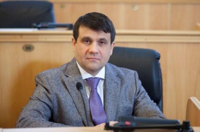 Владимир Пискайкин проголосовал на своем избирательном участке
