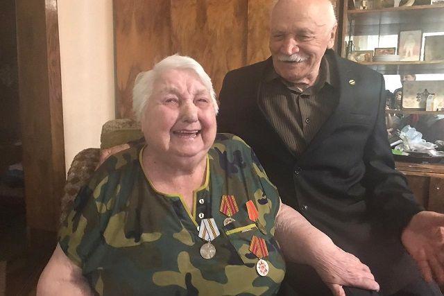 В июле у пожилой четы тройной праздник - дни рождения и 70-летний юбилей семейной жизни