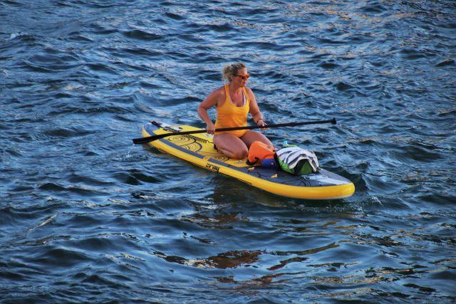 SUP-серфинг относительно молодой вид водного спорта, который с каждым годом приобретает все большую популярность.