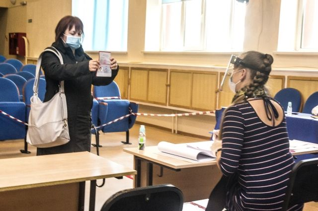В Тюменской области с восьми часов утра работают участки для голосования