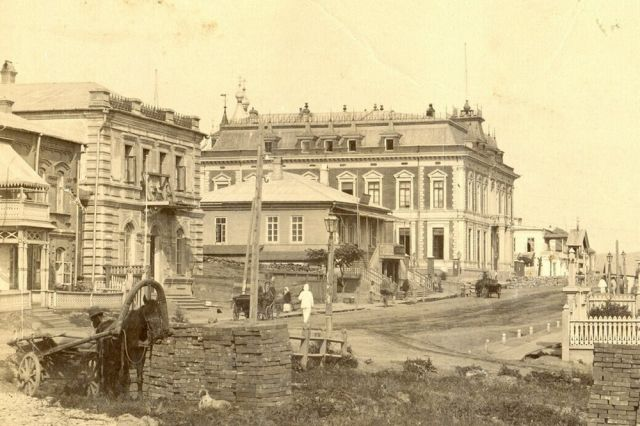 Универсальный магазин Иоганна Лангелитье. Конец XIX века.